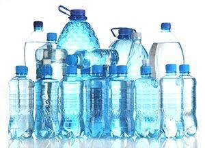 Hidratación y bienestar. Botellas y garrafas de agua mineral. Centro PRONAF