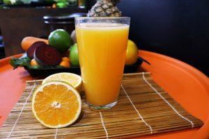 Los zumos de frutas, sus mitos y beneficios